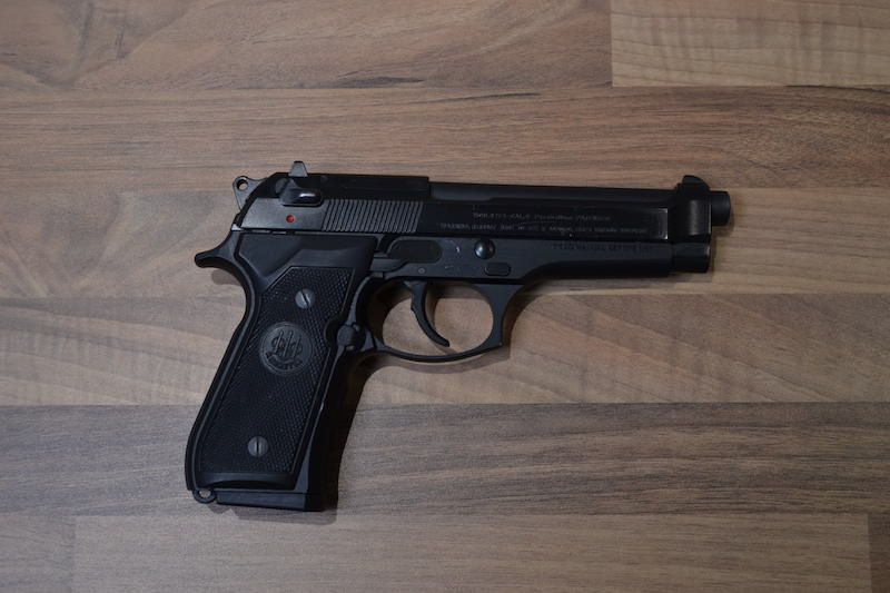 //www.privatir.ch/wp-content/uploads/2018/10/Beretta-92-FS-Cal-9mm.jpg