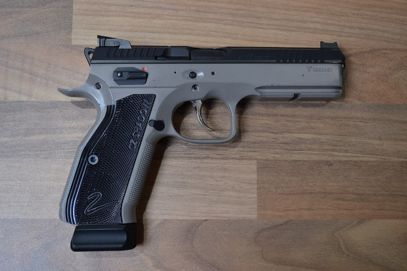 //www.privatir.ch/wp-content/uploads/2018/10/CZ-75-Shadow-2-Cal-9mm.jpg
