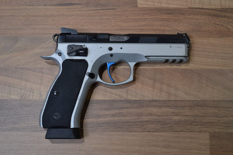 //www.privatir.ch/wp-content/uploads/2018/10/CZ-75-Shadow-Cal-9mm.jpg